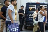 Un agente de la Policía, durante su turno en Madrid.