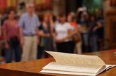 El consistorio ha instalado el libro de firmas de condolencias para...