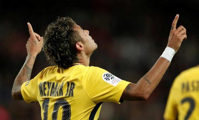Neymar celebra su primer gol con la camiseta del PSG