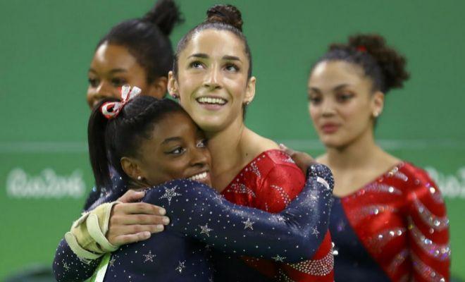 Aly Raisman y Simone Biles, durante los Juegos de Río.