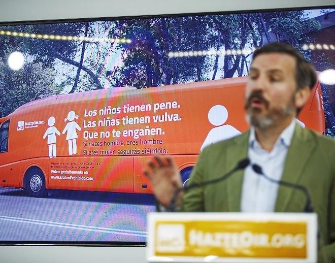 Ignacio Arsuaga, presidente de Hazte Oír, en la presentación de la campaña.
