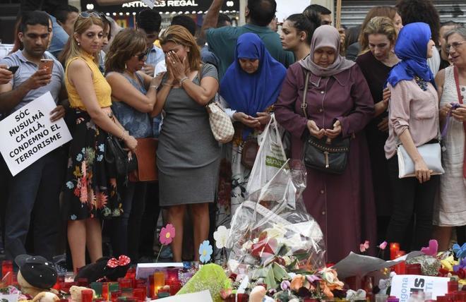 Musulmanes en la manifestación contra el terrorismo celebrada este...