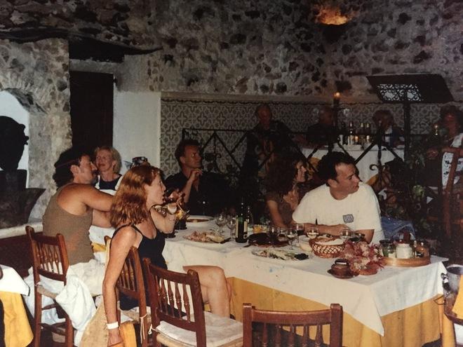 La noche que Tom Hanks, Sting y Bruce Springsteen cenaron con un fantasma