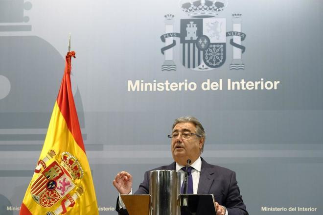 Juan Ignacio Zoido, en la rueda de prensa tras la reunión del pacto...