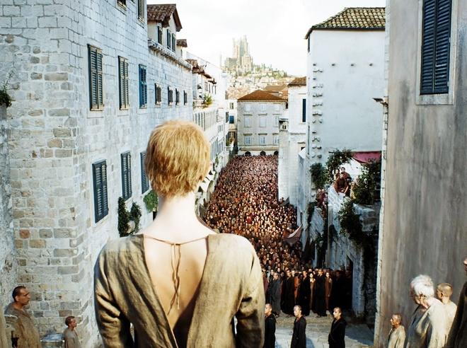 Cersei lannister e margaery tyrell em cena leacutesbica para decidir quem seraacute a rainha em game of thrones - 3 7