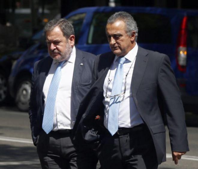 Los jefes de Información de la Guardia Civil, Pablo Salas Moreno (a...