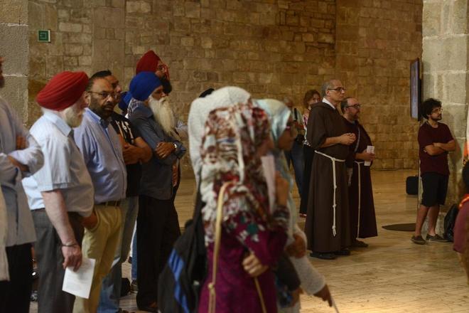 Decenas de confesiones religiosas condenan unidas el terrorismo desde Barcelona