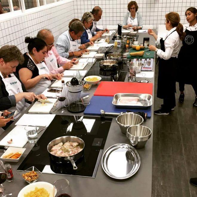 Connie Achurra Clase De Cocina: Chef En Los Ratos Libres: Los Mejores Cursos De Cocina