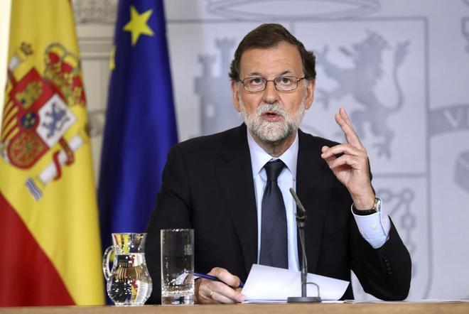 Rajoy resalta la unidad y elude las polémicas tras los atentados de Barcelona y Cambrils
