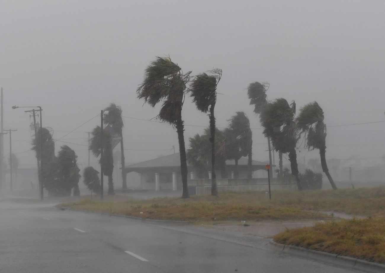 Fuertes vientos en Padre Island, antes de la llegada del huracán...