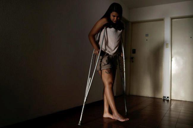 Najhud Najhla Colina, de 23 años, fue atropellada por un vehículo de antidisturbios y detenida en Caracas.
