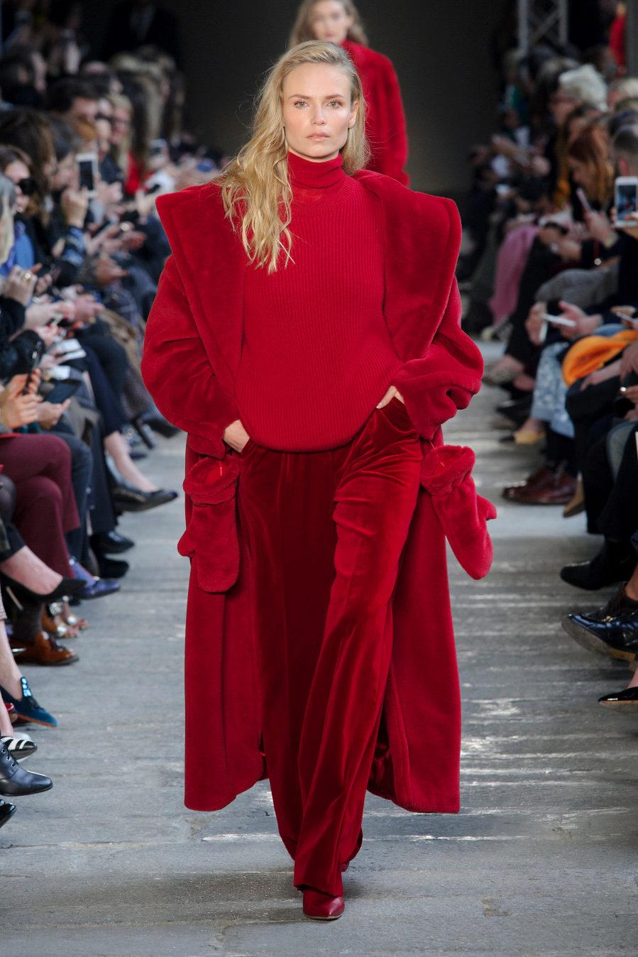 La propuesta de Max Mara para llevar el rojo de pies a cabeza.