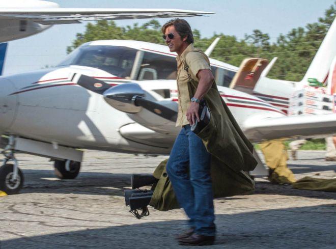 Fotograma de la película 'Barry Seal: El traficante'.