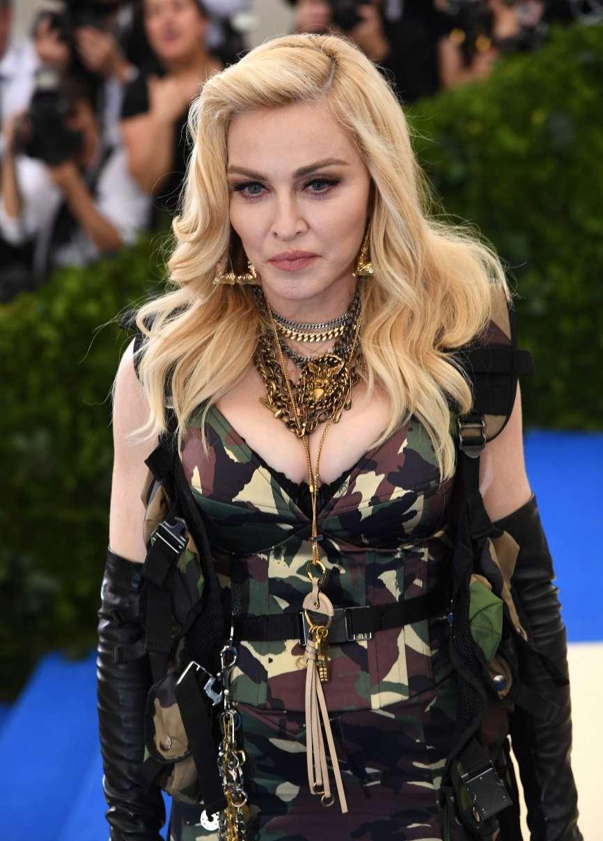 La cantante estadounidense Madonna se ha instalado en Lisboa para que...