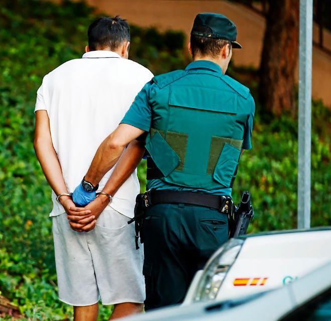 La Guardia Civil traslada al detenido Driss Oukabir el pasado 22 de...