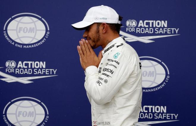 Lewis Hamilton celebra su 'pole' en Monza.