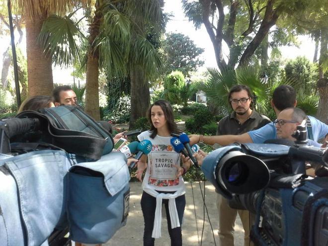 La portavoz de Ciudadanos, Inés Arrimadas, en declaraciones, ayer, en...