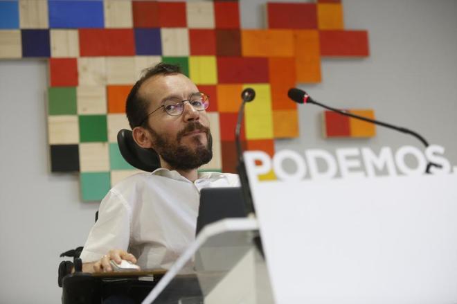 Pablo Echenique, durante una rueda de prensa en la sede de Podemos.