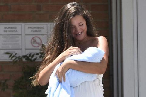 Críticas a Malena Costa por lucir tipazo en bikini 10 días después de dar a luz