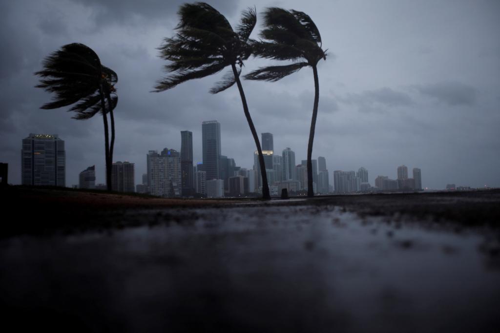 Se degrada 'Irma' a categoría 3