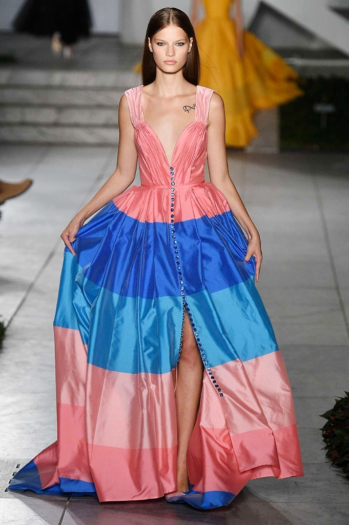 44c0f0cca7bdf Carolina Herrera - Primavera verano 2018 - New York Fashion Week ...