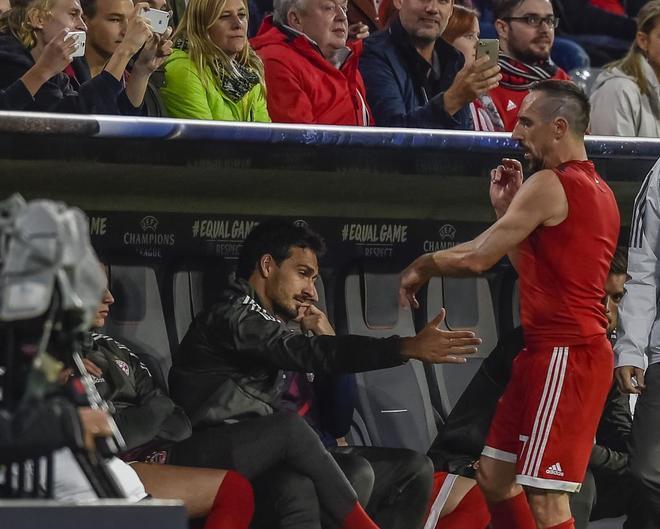 Franck Ribery se enfadó tras ser sustituido ante el Anderletch.