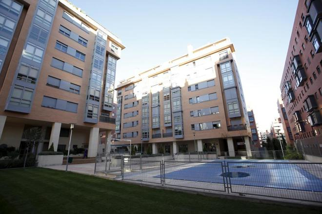 Un piso de 100 metros con garaje y piscina en el centro de las ciudades, el hogar ideal de los españoles