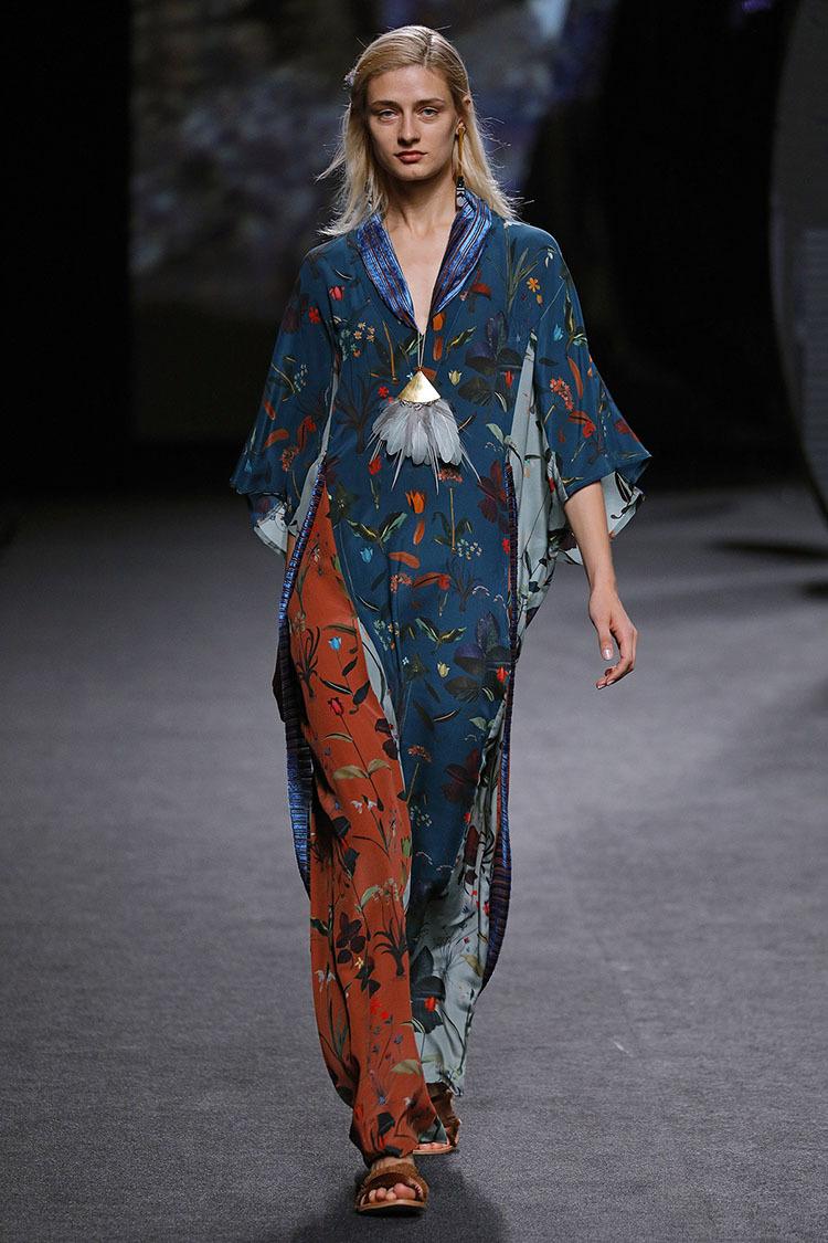 ailanto primavera verano 2018 mercedes benz fashion week madrid yodona moda el mundo. Black Bedroom Furniture Sets. Home Design Ideas