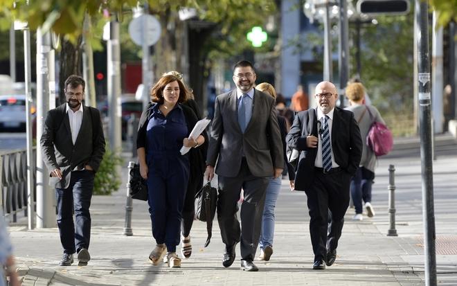 Celia Mayer y Carlos Sánchez Mato, a su llegada a los juzgados de Plaza de Castilla.