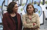 La alcaldesa de Barcelona, Ada Colau, y la presidenta del Parlament,...