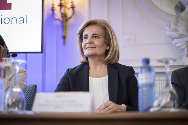 La ministra de Empleo y Seguridad Social, Fátima Báñez, durante un acto en Santander.