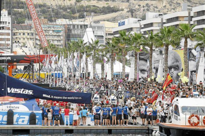 Imagen de la última salida de la Volvo Ocean Race, en el año 2014 con el PP en el Consell.