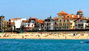 La Grand Plage, el paseo marítimo y las emblemáticas edificaciones...