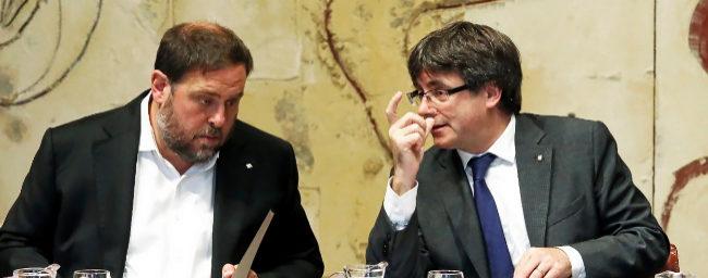 El vicepresidente de la Generalitat, Oriol Junqueras, y el presidente,...