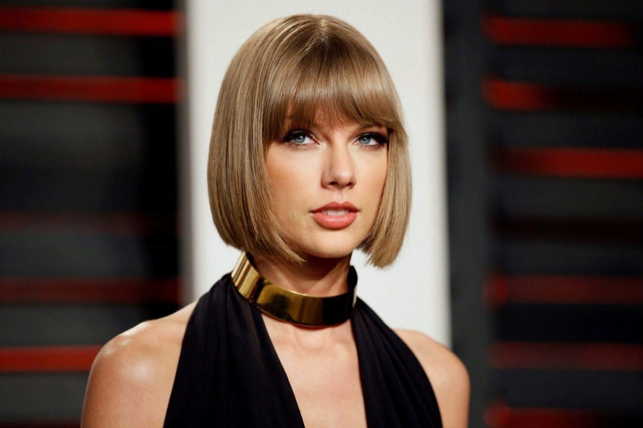 Por el mismo camino fue Taylor Swift. El bullying contribuyó a su...