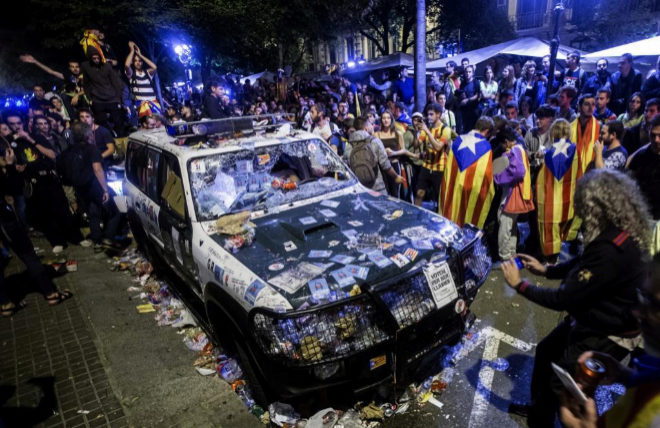 EL DEMOLEDOR VIDEO QUE DESMONTA LAS COCHINAS MENTIRAS DE `HELP CATALONIA`