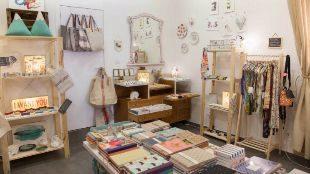 Interior de 'La Positiva Shop'.