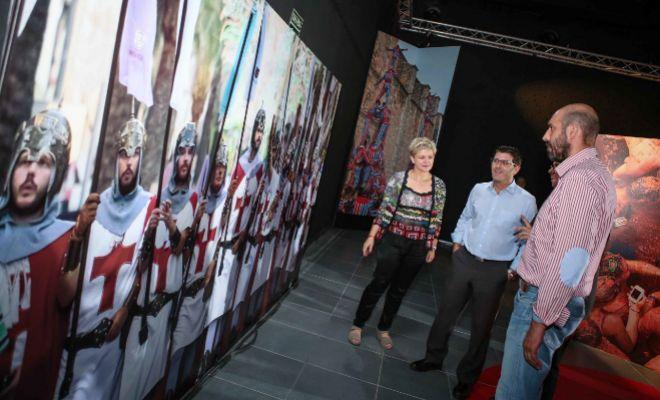 Evarist Caselles, la diputada de Turismo, Pilar Moncho y el presidente de la Diputación de València, Jorge Rodríguez.