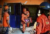 Los servicios de emergencia siguen buscando supervivientes.