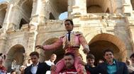 Iván Fandiño a su salida a hombros del Coliseo de Arles, el pasado Lunes de Pascua
