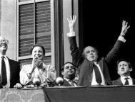 """""""En adelante, de moral hablaremos nosotros"""", proclamó Pujol en el balcón del Parlament tras ser investido en 1984."""