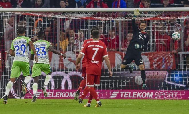 El fallo de Ulreich en el provisional 1-2 del Wolfsburgo, obra de Arnold.