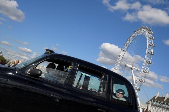 Más de medio millón de personas firman para que Uber siga en Londres