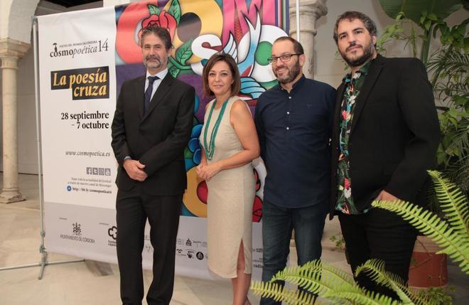 Presentación del festival de poesía Cosmopoética en Córdoba.
