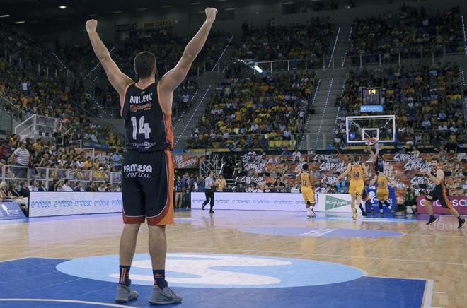 Dubljevic celebra la consecución de la Supercopa, el sábado en Las Palmas.