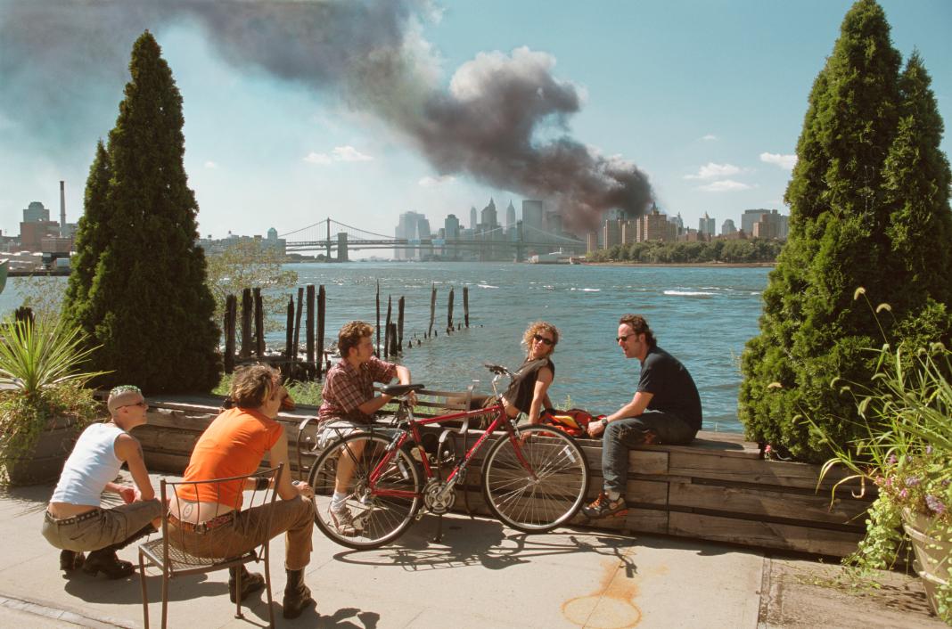 Del Día D al 11-S: los secretos de las fotos que marcaron la historia
