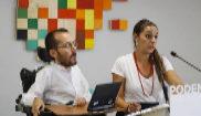 Los coportavoces de Podemos, Pablo Echenique y Noelia Vera, en rueda...
