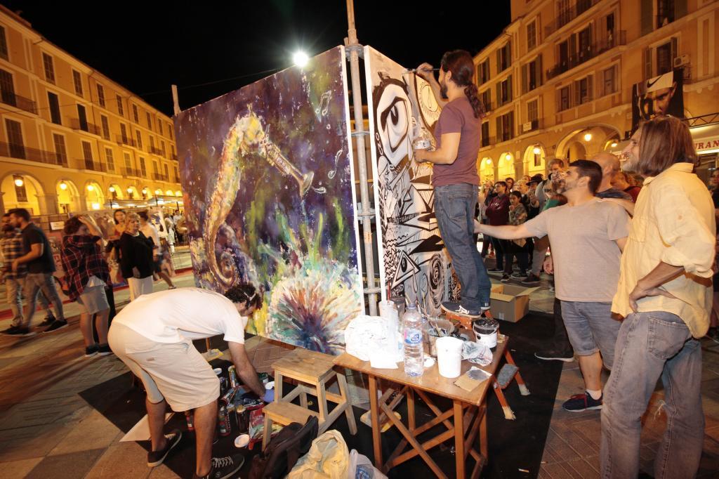 La pasada Nit de l'Art, en la plaza Mayor de Palma.