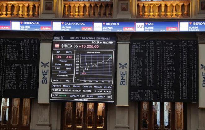 Evolución del Ibex este martes en el Palacio de la Bolsa de Madrid.