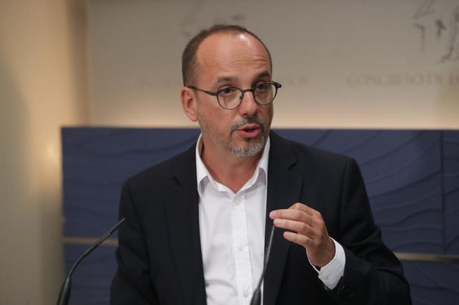 El portavoz del PDeCAT, Carles Campuzano, en una rueda de prensa hoy...